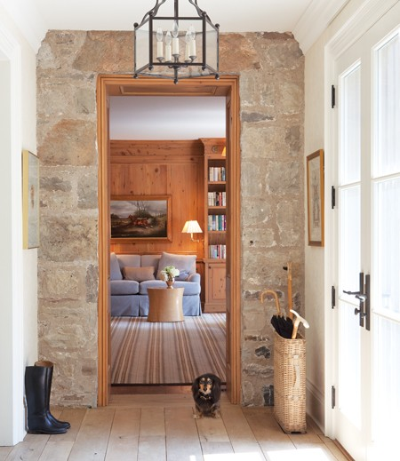 Inviting Entrance Ways Are Easy With Manufactured Stone