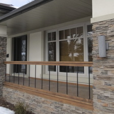 Inviting Entrance Ways Are Easy With Manufactured Stone Veneers