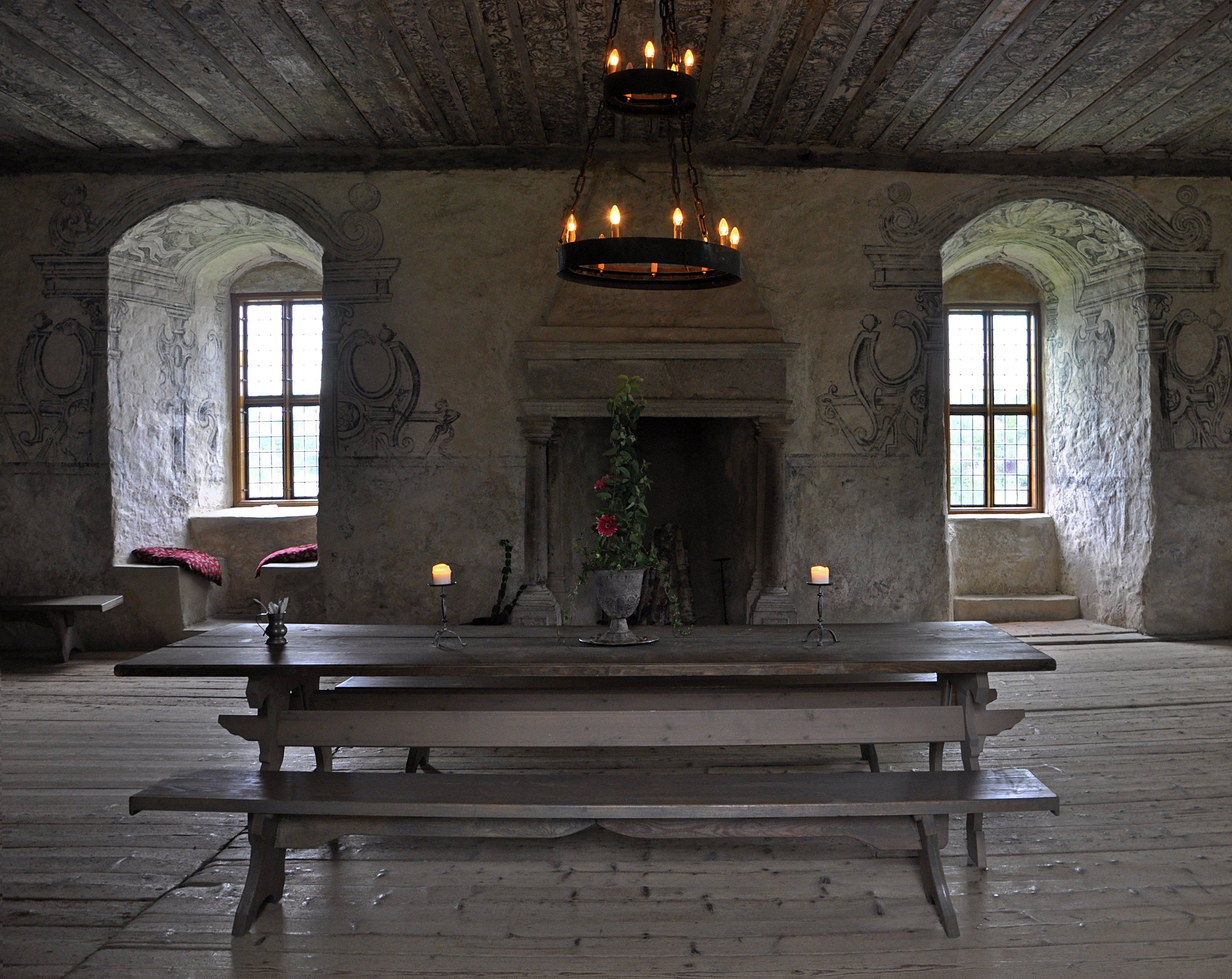 Creating A Romantic Look With Castle And Cathedral Stone