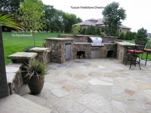 Outdoor Stone kitchen & outdoor BBQ