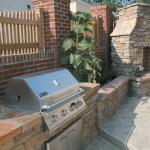 Garden stone veneer and backyard landscaping go hand in hand when creating an impressive outdoor living space.
