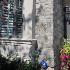 Everything you need to know about stone veneer, stone cladding and manufactured stone.
