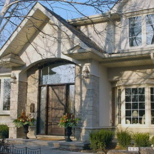 Building stone homes the contemporary way with natural stone cladding.